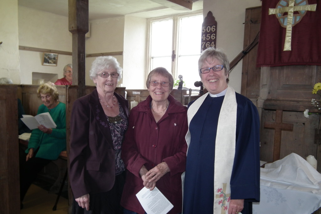 We give a warm welcome to our new minister following the departure of the Revd. Roy Fowler very recently. We at Monks are pleased to welcome the Revd. Cathy Arscott (on far right), who moved to Melksham in August 2014 to begin her ministry within the Wiltshire United Area, after serving for ten years in the Launceston Methodist Circuit. Cathy is pictured with May Perriman (centre) who was ordained as an Elder of the United Reformed Church on April Sunday 26th April 2015.